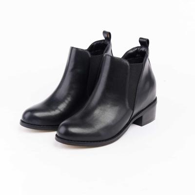 【Avivi】完美心機側邊 V 型鬆緊粗跟短靴